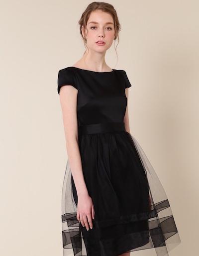 これ1枚で大人可愛い!リトルブラックドレス