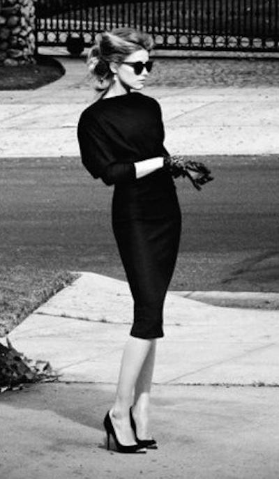 30代の上質ファッション、大人リトルブラックドレス
