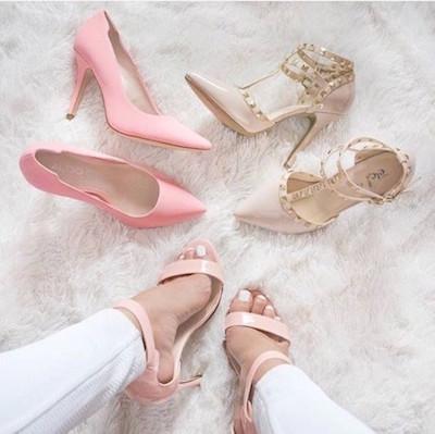 結婚式パーティードレス・ワンピースに合うタイツ・靴講座