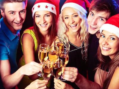クリスマスパーティーに着ていきたいパーティードレス